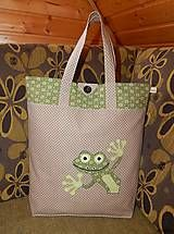 Simple nice shopping bag with lovely frog!