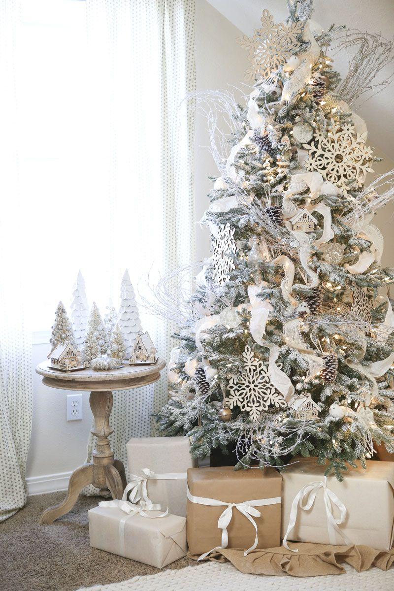 Foto Alberi Di Natale Bianchi holiday inspiration: idee per la decorazione dell'albero di