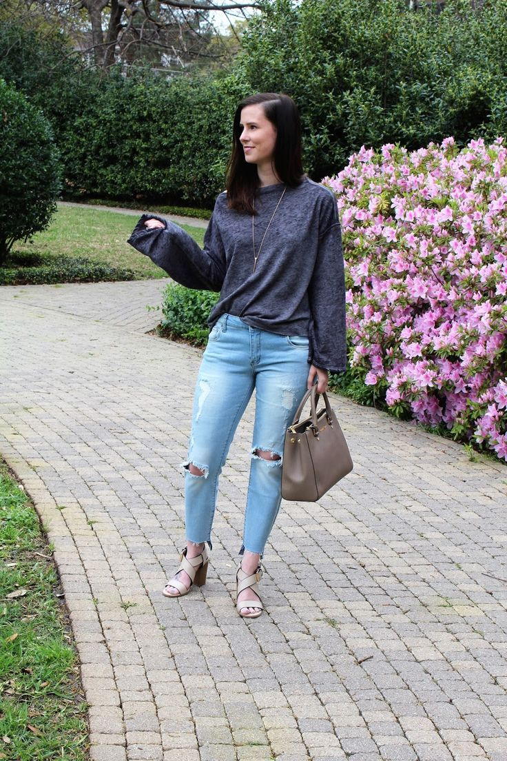 Slouchy Top + Distressed Jeans || Beautifully Elegant Blog