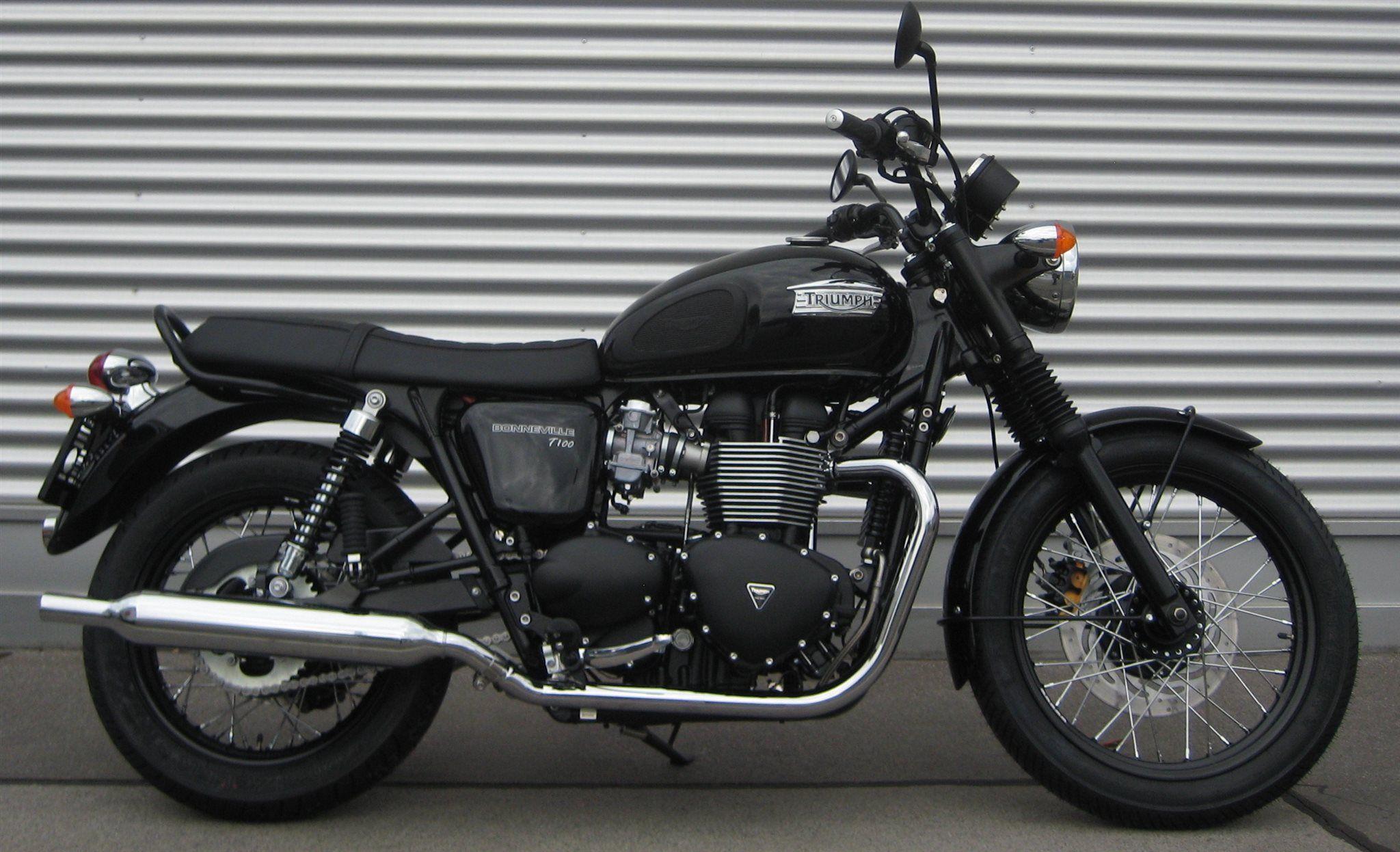 Triumph Bonneville T100 Black 2014 Motorbike Triumph Bonneville