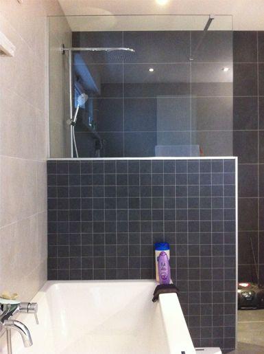 Vernieuwen oude afgeleefde badkamer tot frisse, functionele en ...