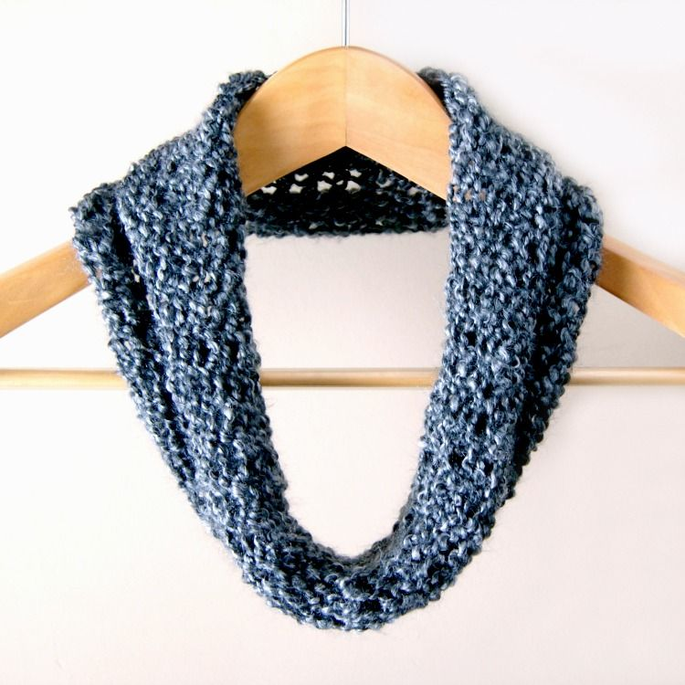 Cowl Simple Beginner S Loom Knit Tutorial Knotty