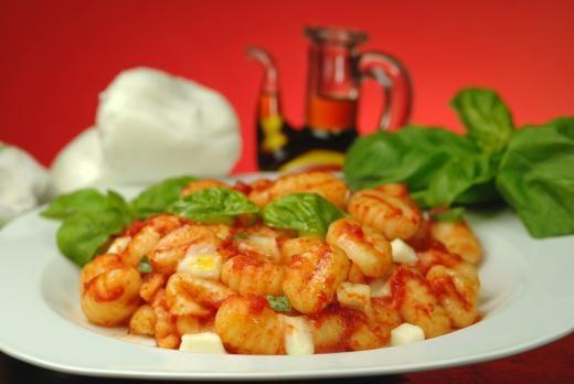 Ricetta Gnocchi Alla Sorrentina Della Nonna.Gnocchi Alla Sorrentina Di Nonna Amalia Recipe Italian Recipes Gnocchi Recipes Italian Dishes