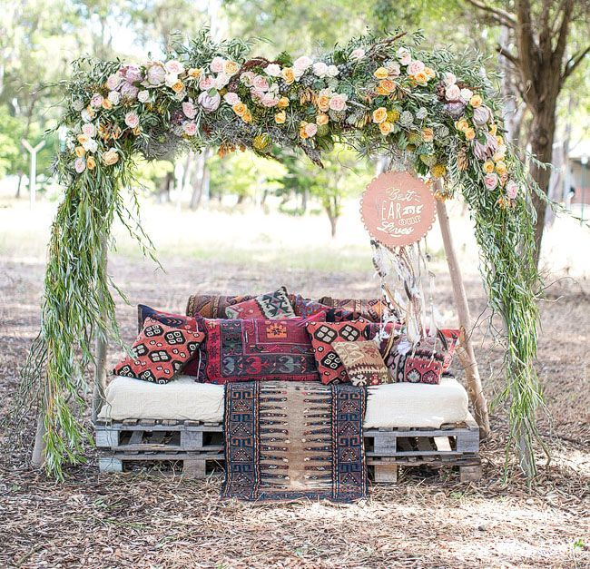 Breathtaking Bohemian Outdoor Wedding Altar: Why It Works Wednesday Bohemian Outdoor Palette Lounge