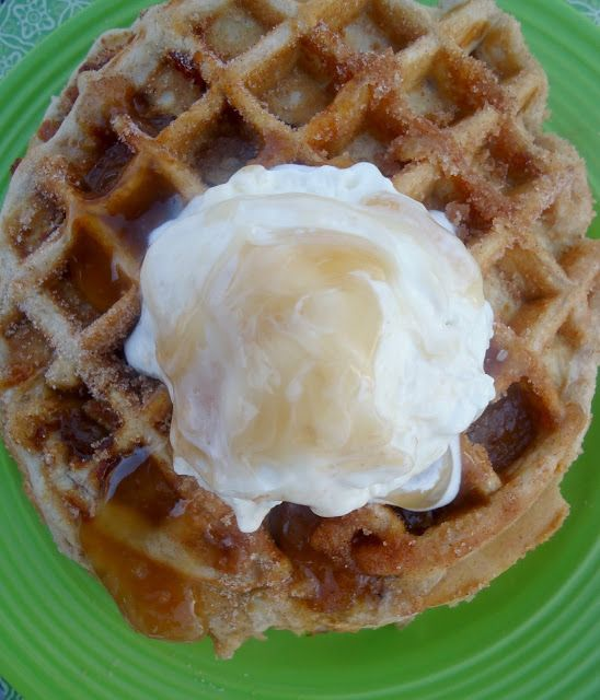 chica chocolatina: Churro Apple Pie Waffles