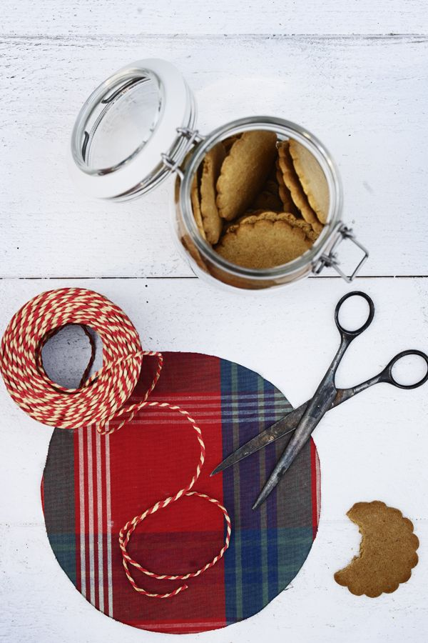 An easy gift for your holiday hostess can still be thoughtful! Make your gift of baked goods even more special by covering the lid of a jar with some colorful fabric and tying it on with a matching string. Find more IKEA ideas in our Holiday Prep Guide!
