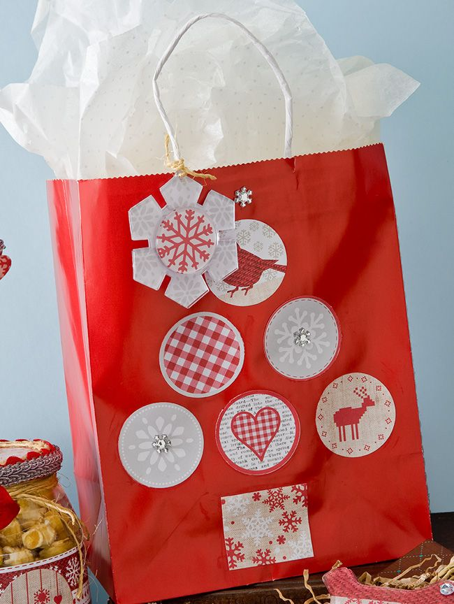 999e2fbaef68a Quick and Easy Gift Bag | Mod Podge Home for the Holidays | Diy gift ...
