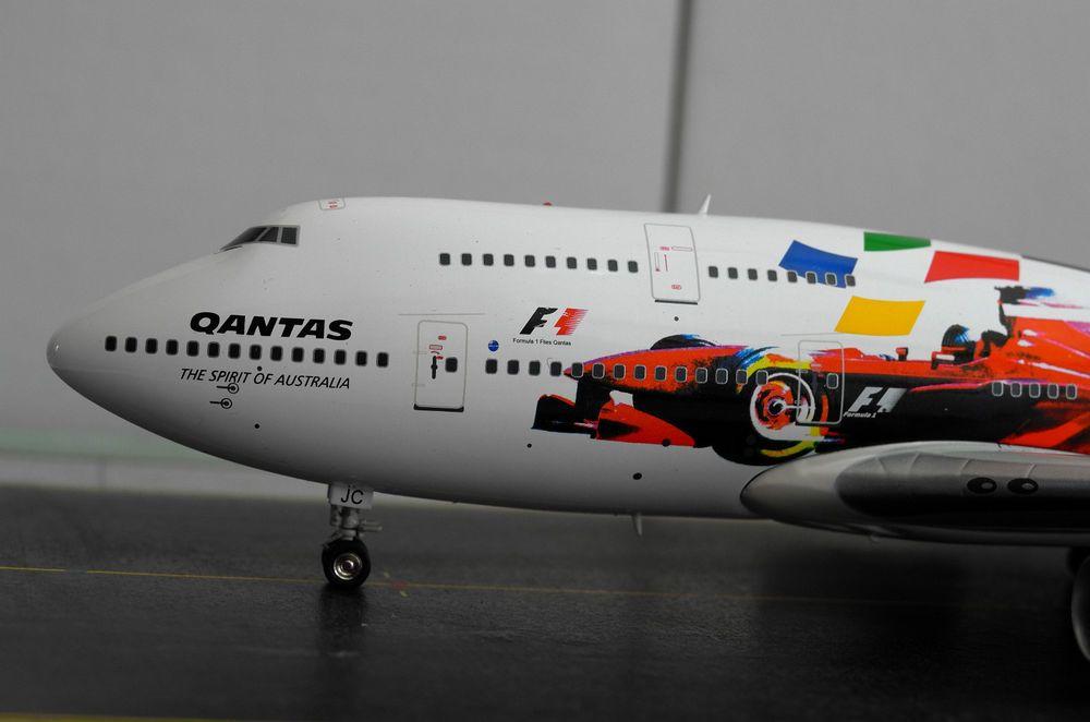 """Qantas B747-400 """"F1""""  JC Wings 1:200"""