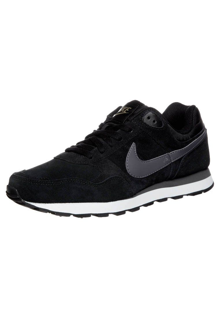 nike md runner shoes are a girls best friend pinterest more runners nice and black ideas. Black Bedroom Furniture Sets. Home Design Ideas