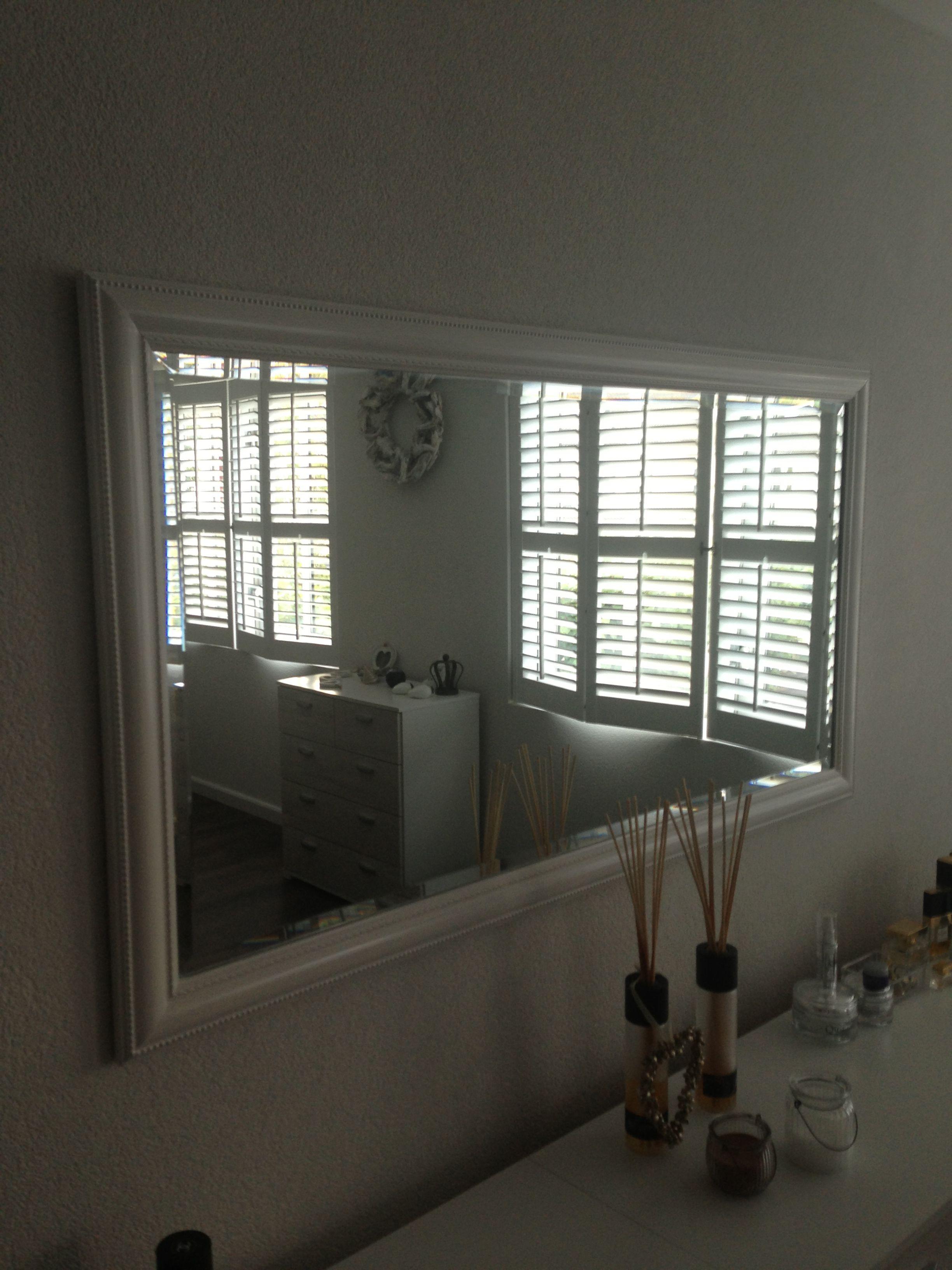 Dressoir met spiegel is een mooie klassieker - Spiegel voor ingang ...