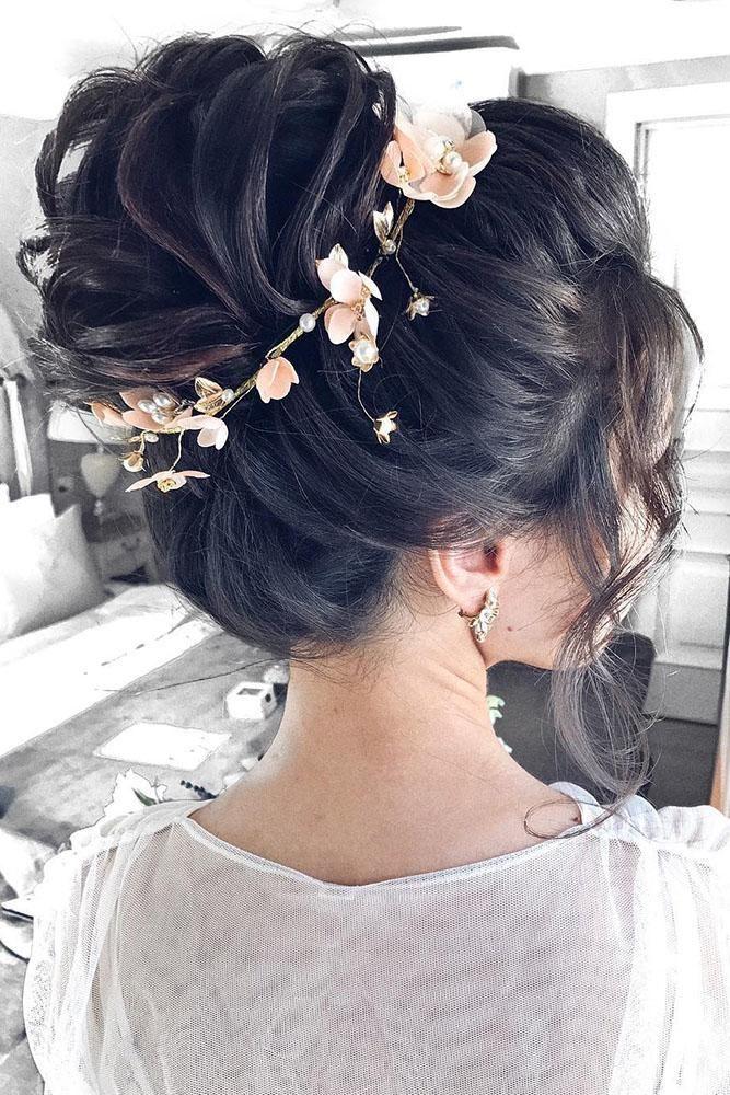 30 Lovely Wedding Bun Hairstyles