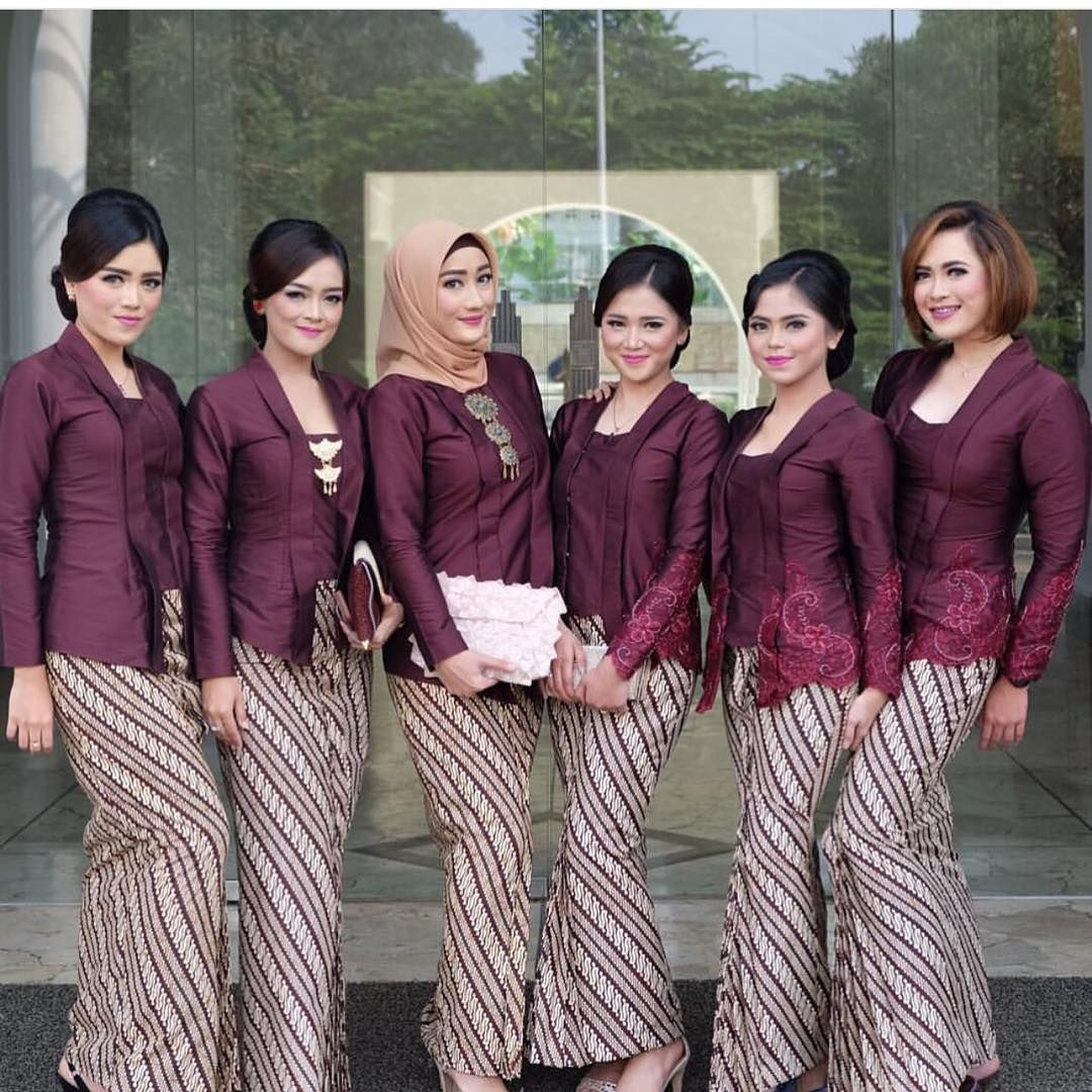 Baju Kebaya Bawahan Batik: Model Kebaya Batik Parang Kecil Ungu
