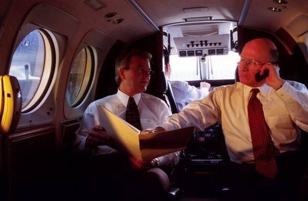 搭飞机时手机一定要转飞航模式?没有转会怎样?