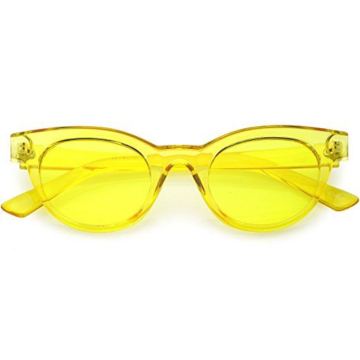 ee9222606d20 Amazon.com  zeroUV - Women s Transparent Horn Rimmed Color Tinted Round  Lens Cat Eye Sunglasses 47mm (Yellow   Yellow)  Clothing