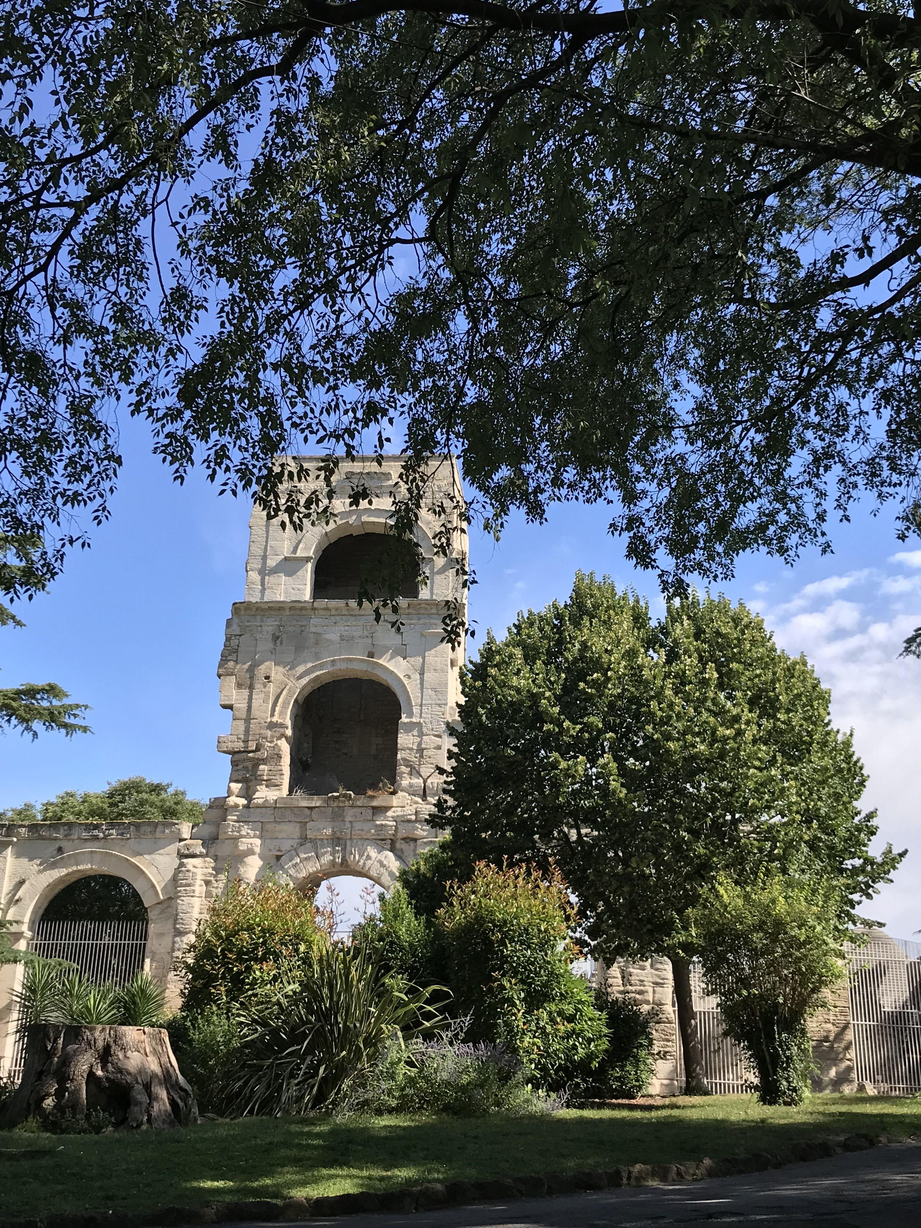Les Alpilles, Arles, Saint Remy de Provence