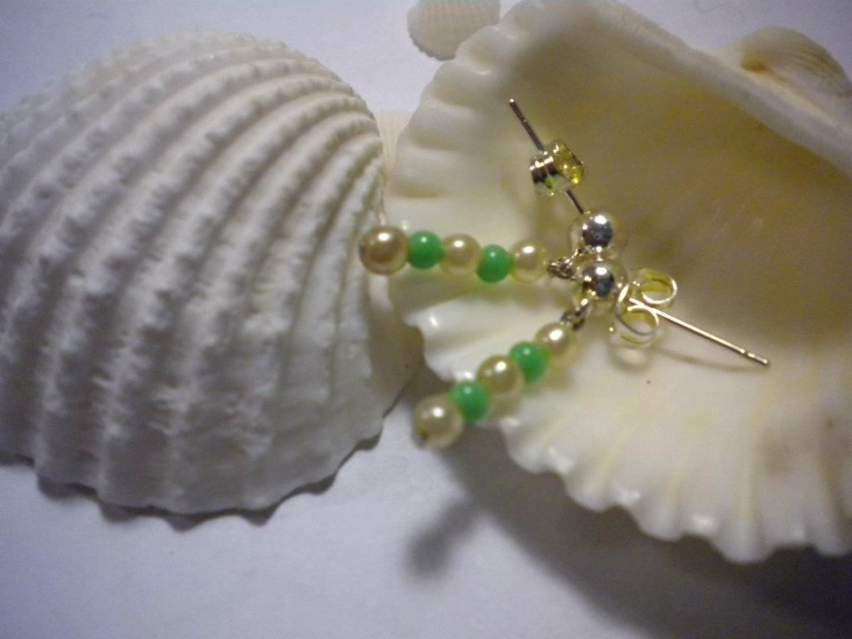 Earrings made by me, different kind of pearls.