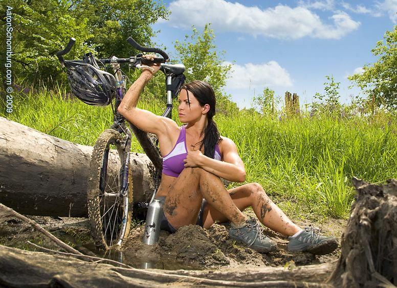 Девочки на велосипедах голые фото 93-143