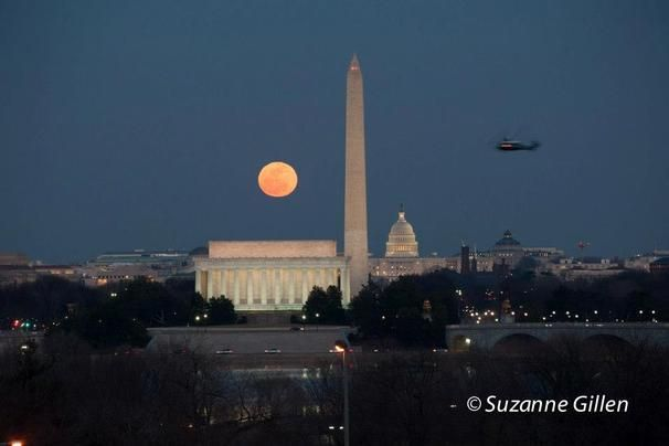 """PHOTOS: Stunning full """"snow moon"""" over D.C. monuments - Pictures 