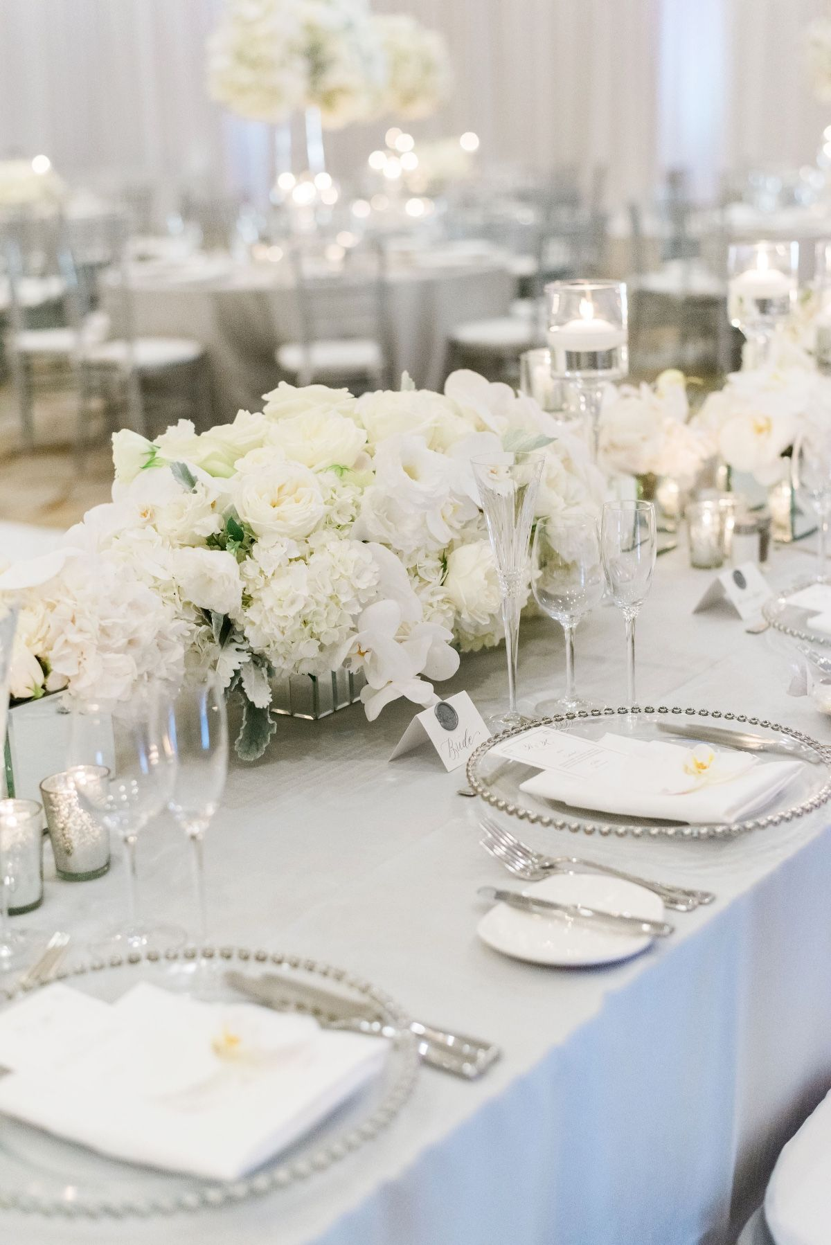Luxury Glam Wedding In Silver And White Silver Wedding Reception Glam Wedding Grey Wedding Decor