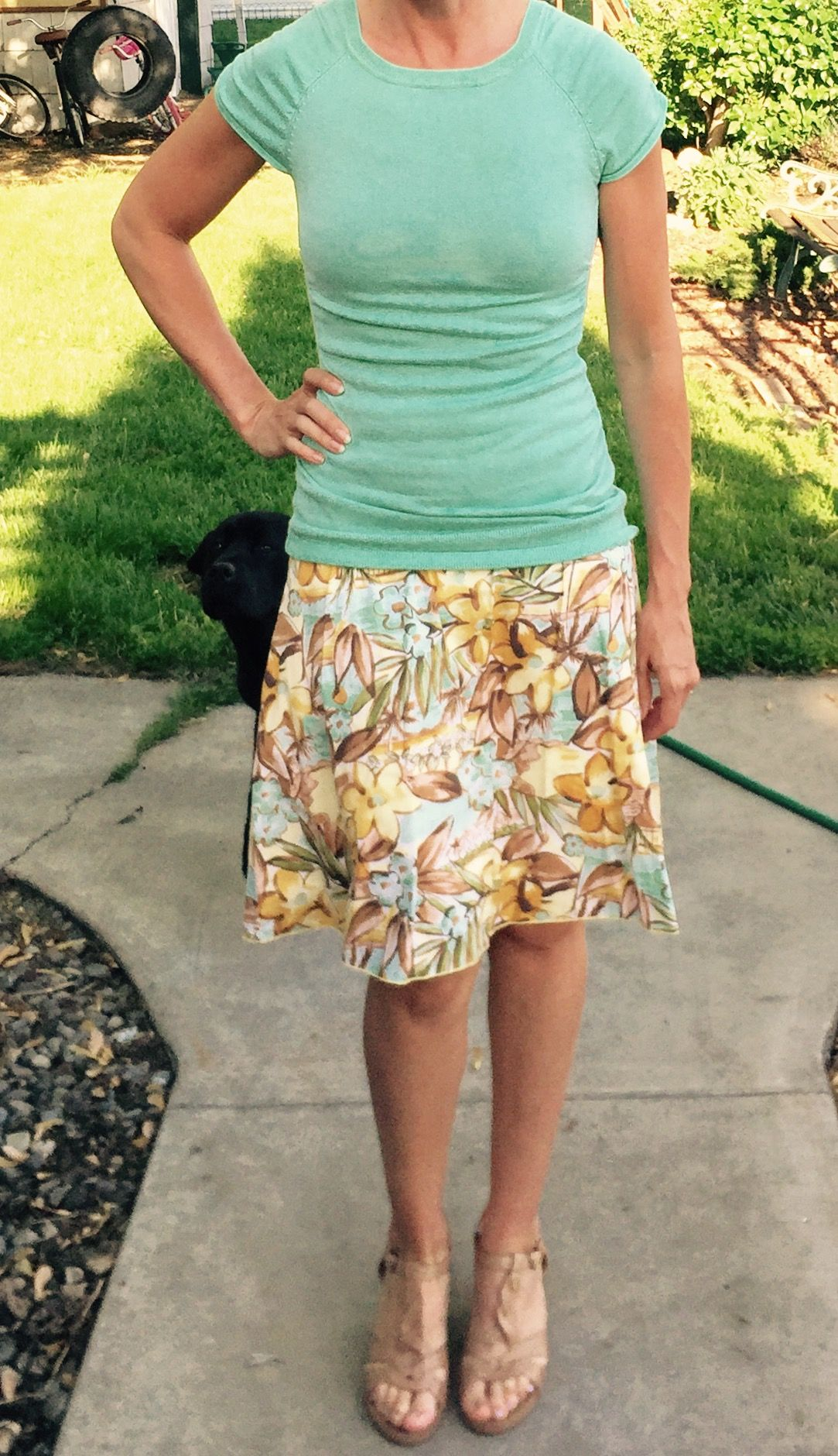 Work outfit. Hawaiian skirt with mint top