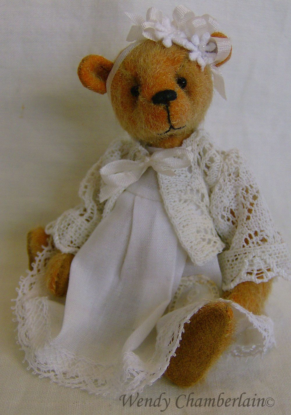 I LOVE bears dressed in Victorian finery! Evangeline - miniature teddy bear #bearbedpillowdolls