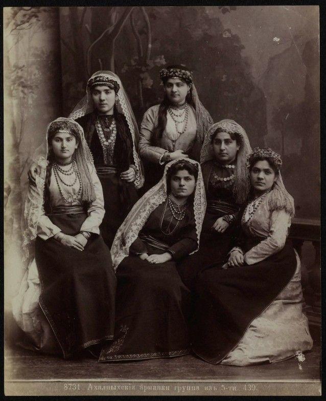 Первые фото женщин большие яички мужчины фото