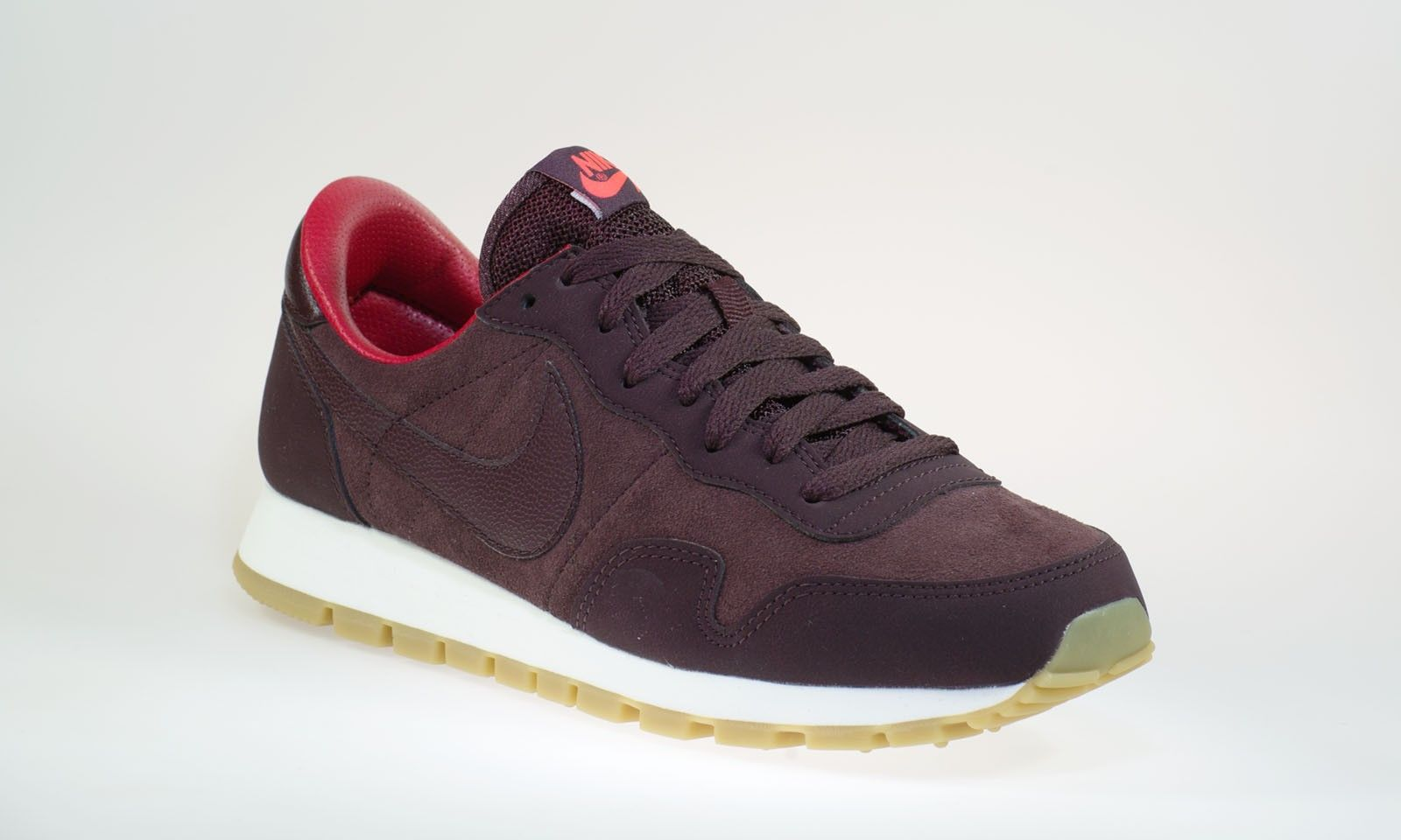 Nike Wmns Air Pegasus  83 Leather 749666-601  b3998c8996e19