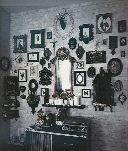 ɢold❂тropιcαl #gothichome