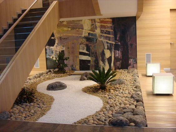 Jardines interiores bajo escaleras wood pinterest for Escaleras para caminar fuera del jardin