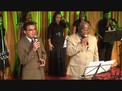 Pin Em Gospel Aline Silva A Cruz No Chao