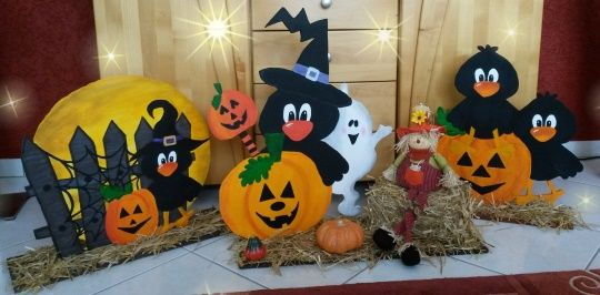 halloweendekoration mit raben k rbis und geist aus holz. Black Bedroom Furniture Sets. Home Design Ideas