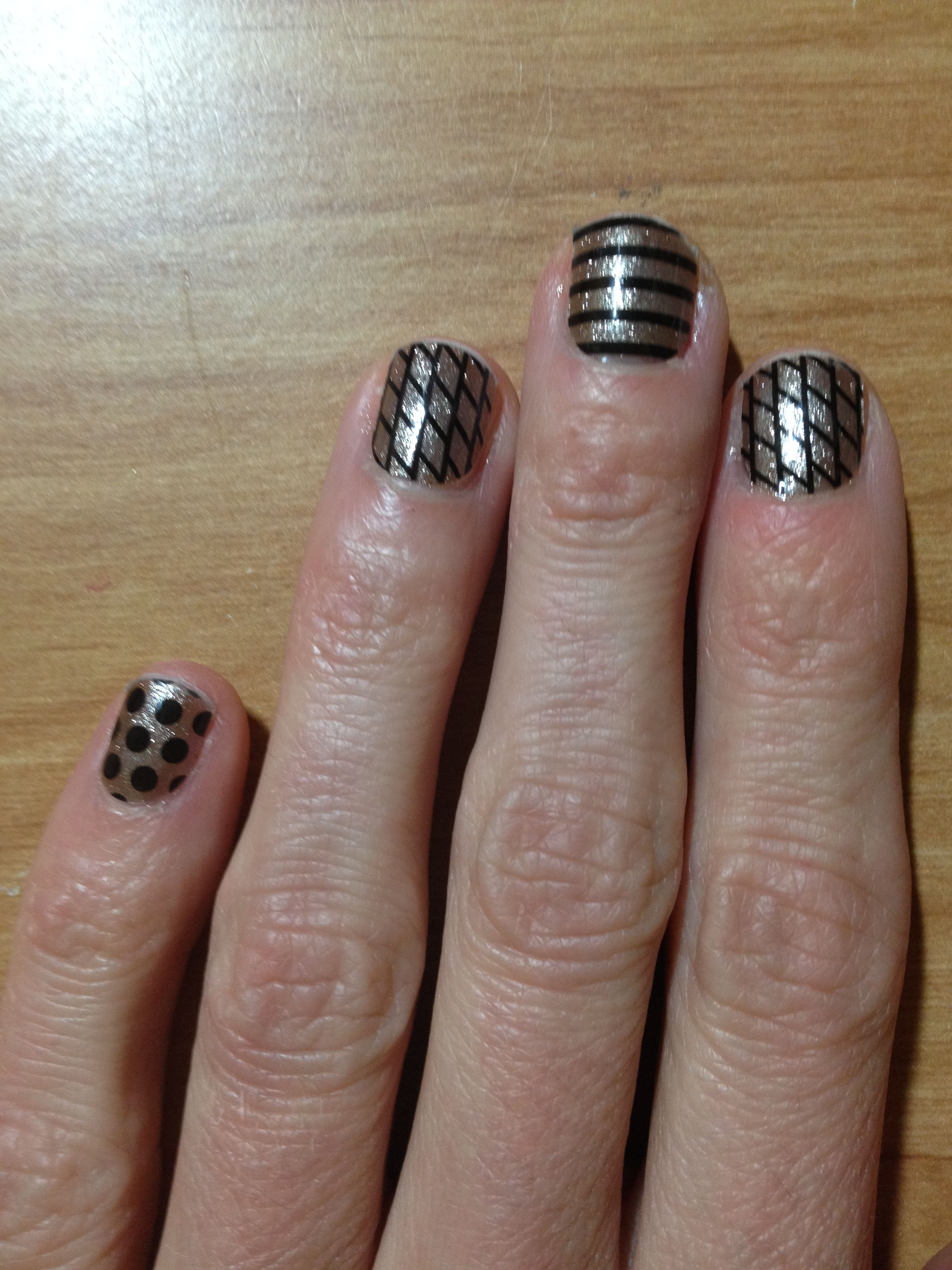 A easy way to make a manicure special! Gold polish and Jamberry ...