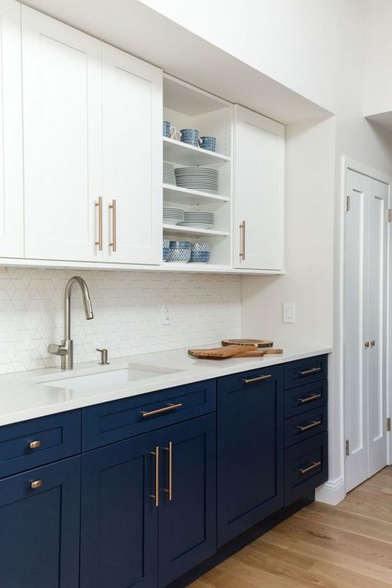 40 beautiful navy kitchen cabinets for decorating your kitchen in 2020 navy kitchen navy on kitchen decor navy id=79560