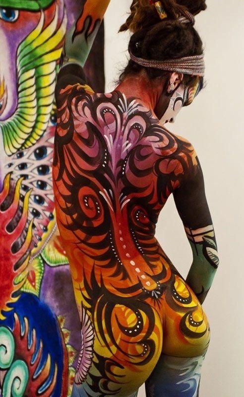 Graffiti Body Painting Graffiti On Girls D Graffiti Body Art Glow In The Dark Graffiti
