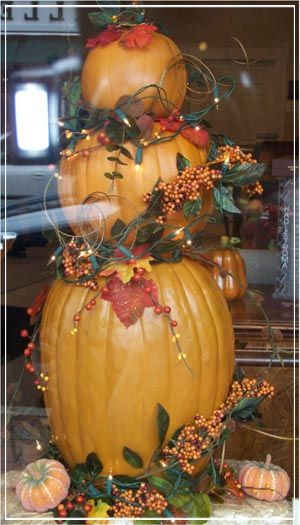 Fall Inspiration - Make this Pumpkin Topiary Christmas trees - how to make pumpkin decorations for halloween
