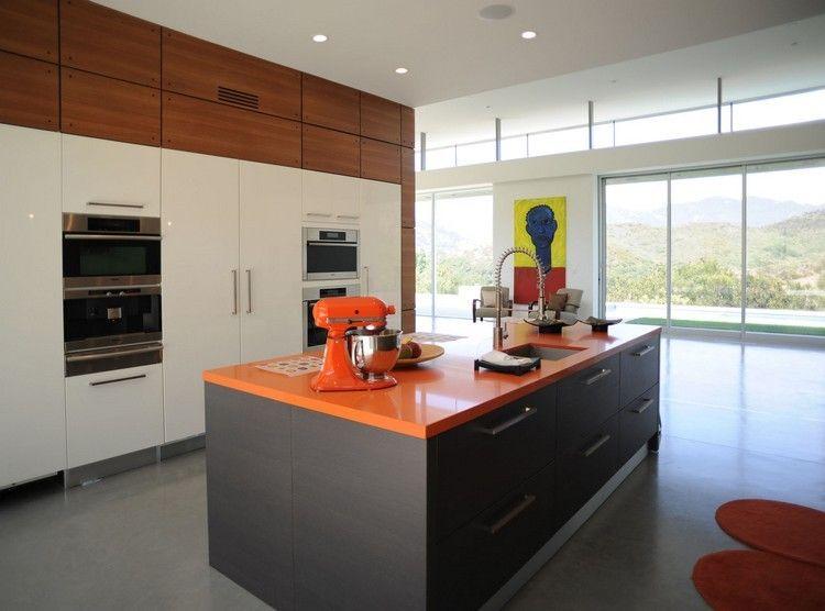 isla cocina encimera color naranja