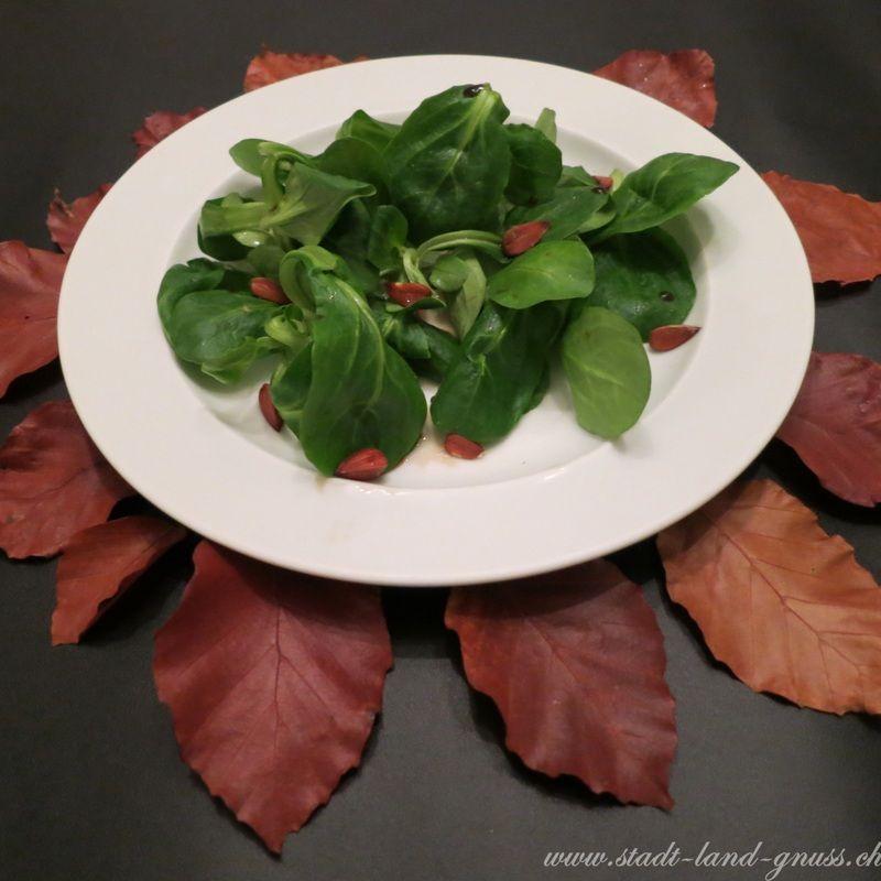 Herbstsalat mit Buchennüsschen