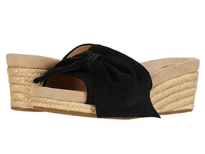 6906a97745 UGG Jaycee Over 50 Womens Fashion, Fashion Over 40, Women Slides, Slide  Sandals