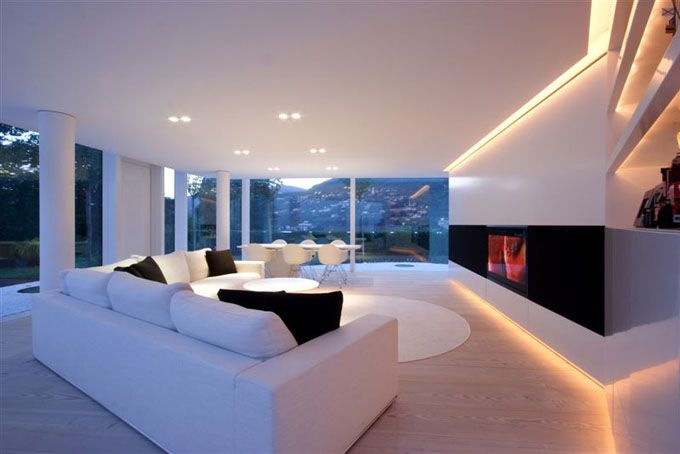 Edles Wohnzimmer In Luxus Villa Am See