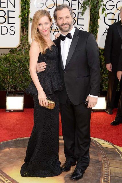 Leslie Mann, con vestido firmado por Dolce&Gabbana, junto a su marido Judd Apatow