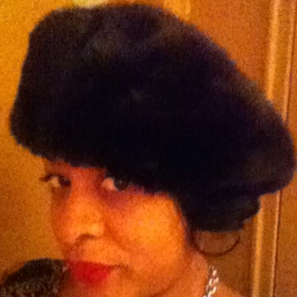 Authentic Mink Beret Hat Soft and elegant black mink beret. Glamorous and sophisticated you can give this beret the shape you prefer to the form that flatters your face. Small tear under headband. Can be repaired by furrier or hidden under hat. Other