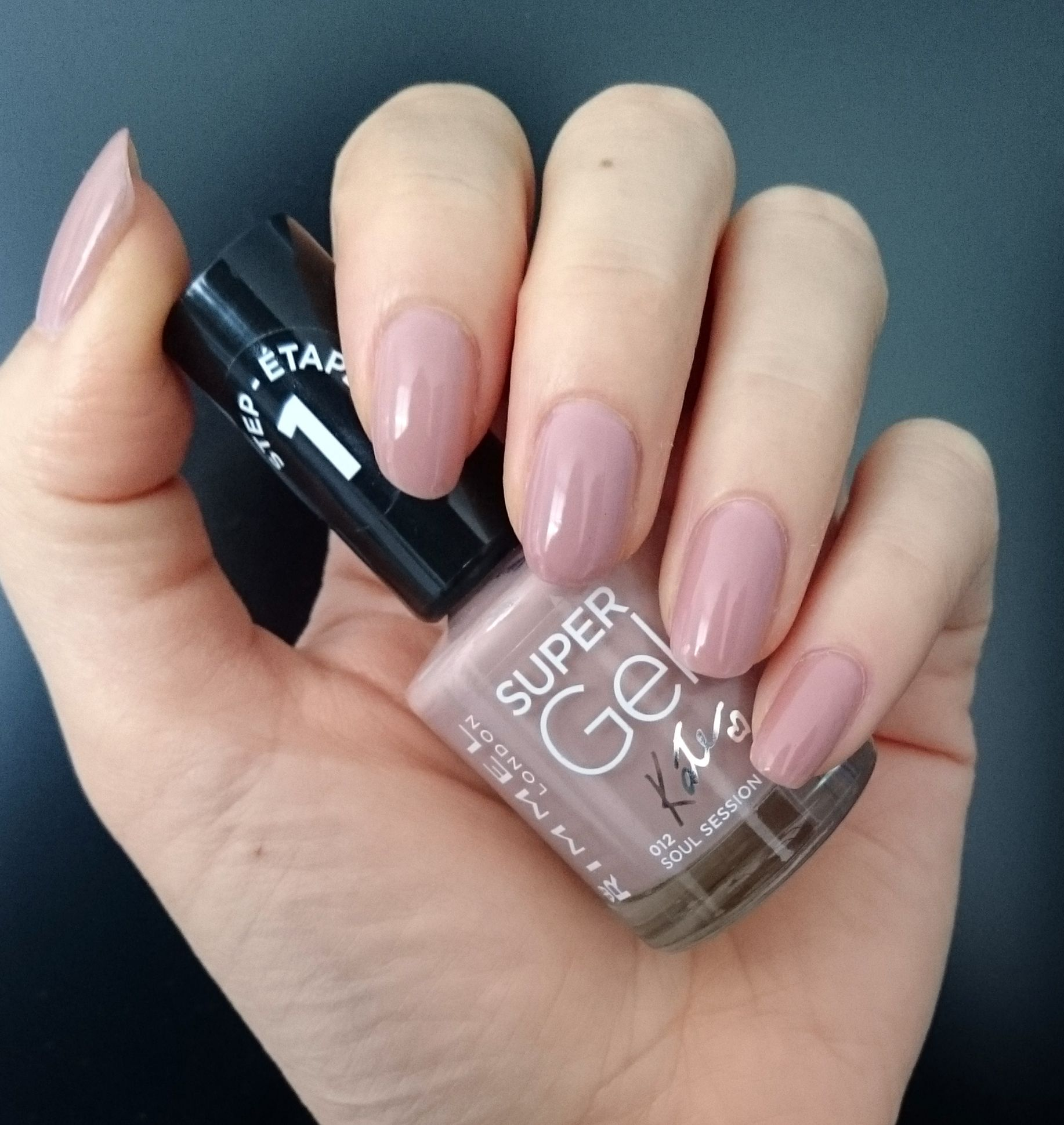 Rimmel Super Gel Nail Polish Soul Session 2 Coats Looks More Pink