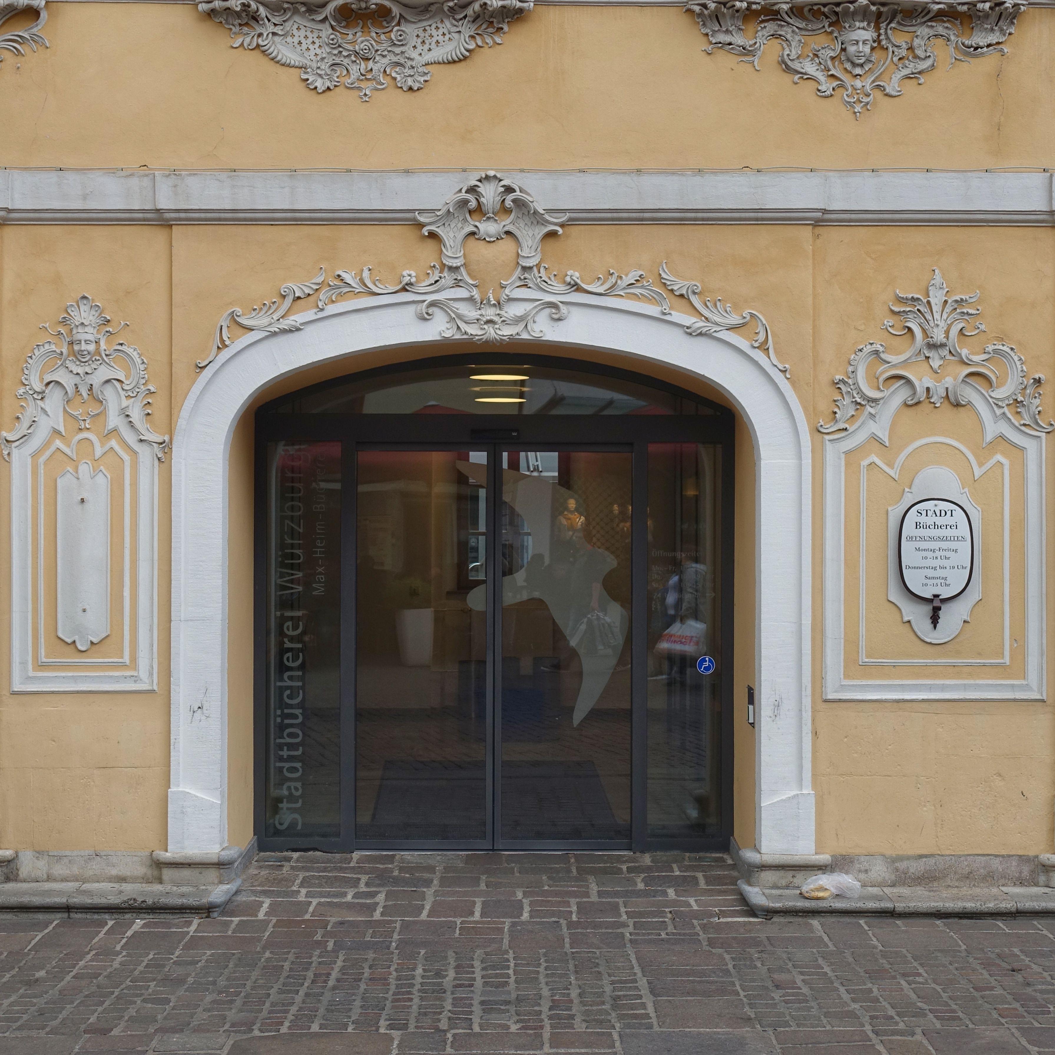 würzburg deutschland stadtbücherei im falkenhaus