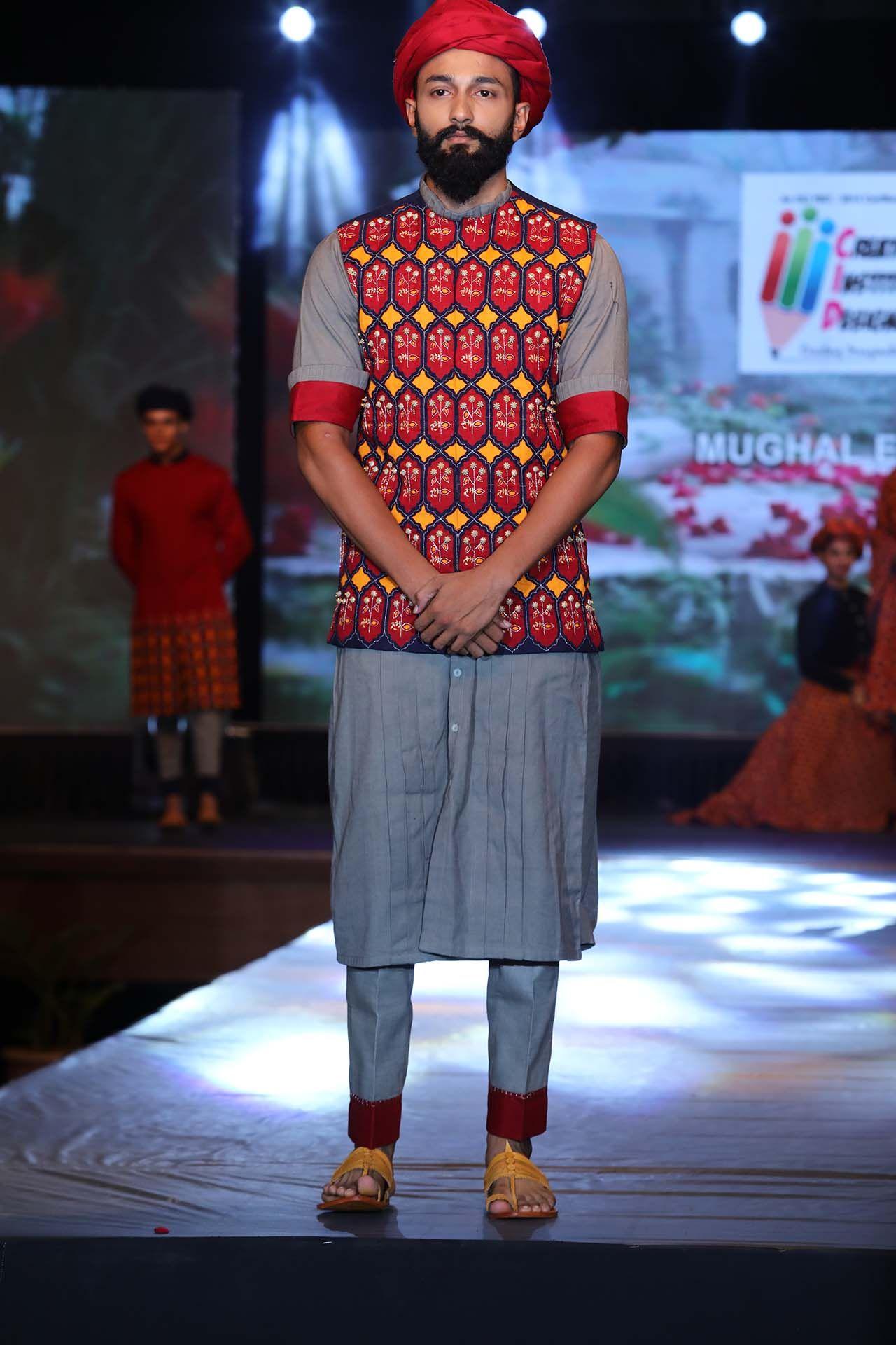 Creator Institute Of Designer Creative Fashion Eve 2o18 Theme Mughal Empire Students Divya Manshi Crea Fashion Fashion Show Themes Kids Fashion Show