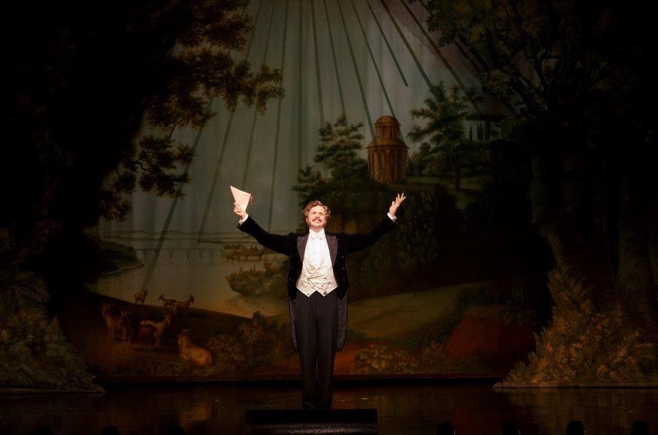 II Muto - Jim Weitzer as Monsieur André