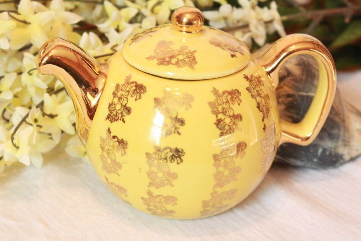 Little Yellow Japanese Porcelian Teapot with by BelladeVintage, $20.99