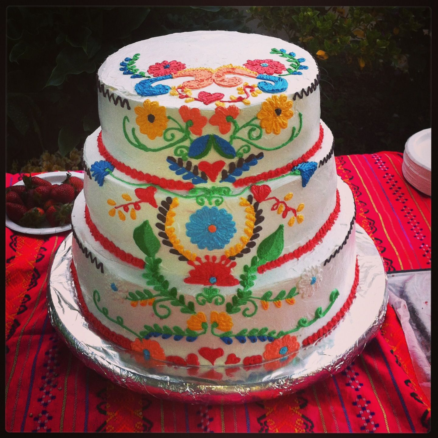 Cinco De Mayo Flower Cake With Images Mexican Themed Cakes