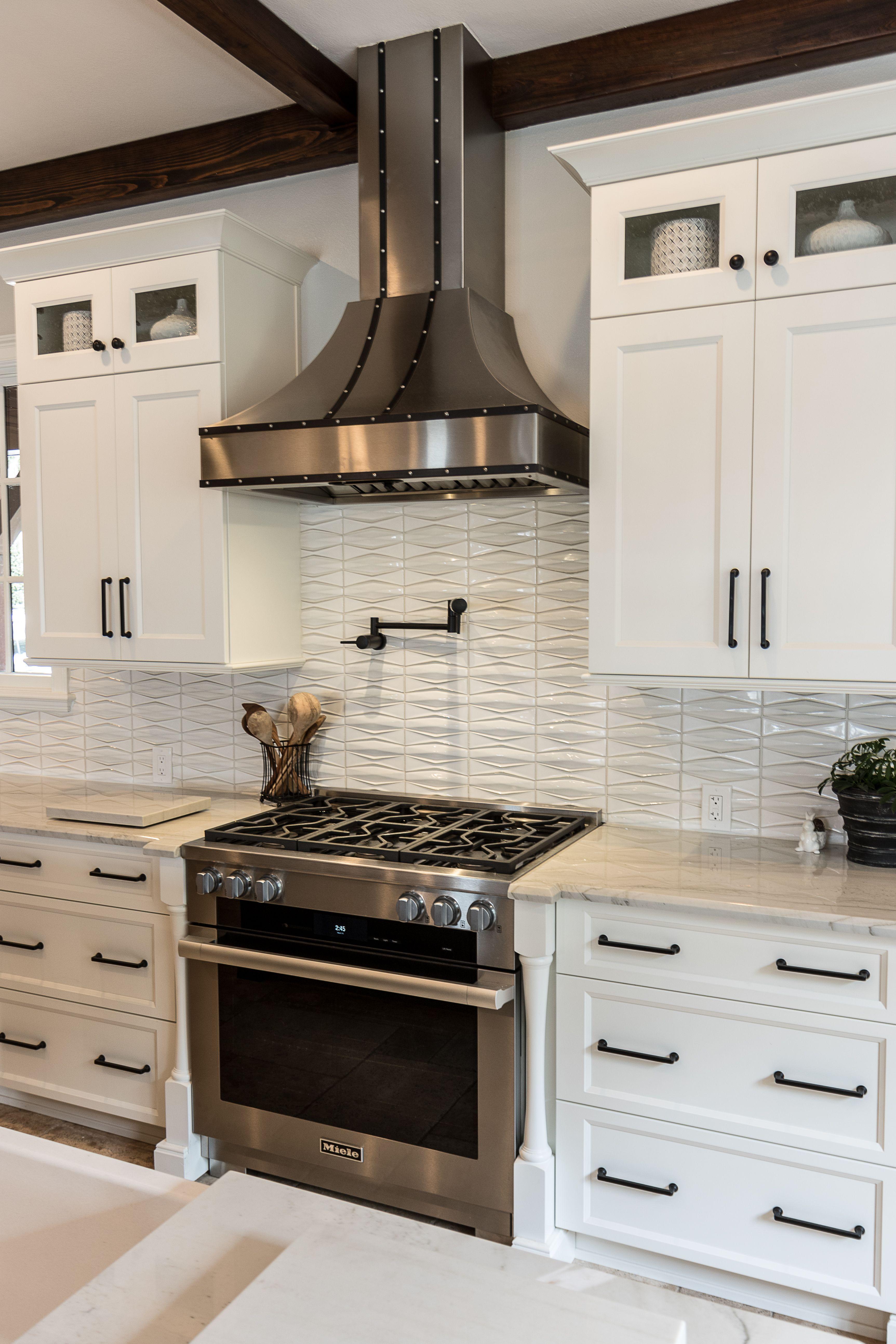 Windermere Kitchen Remodel Kbf Design Gallery In 2020 Kitchen Remodel Traditional Kitchen Remodel Rustic Kitchen Cabinets