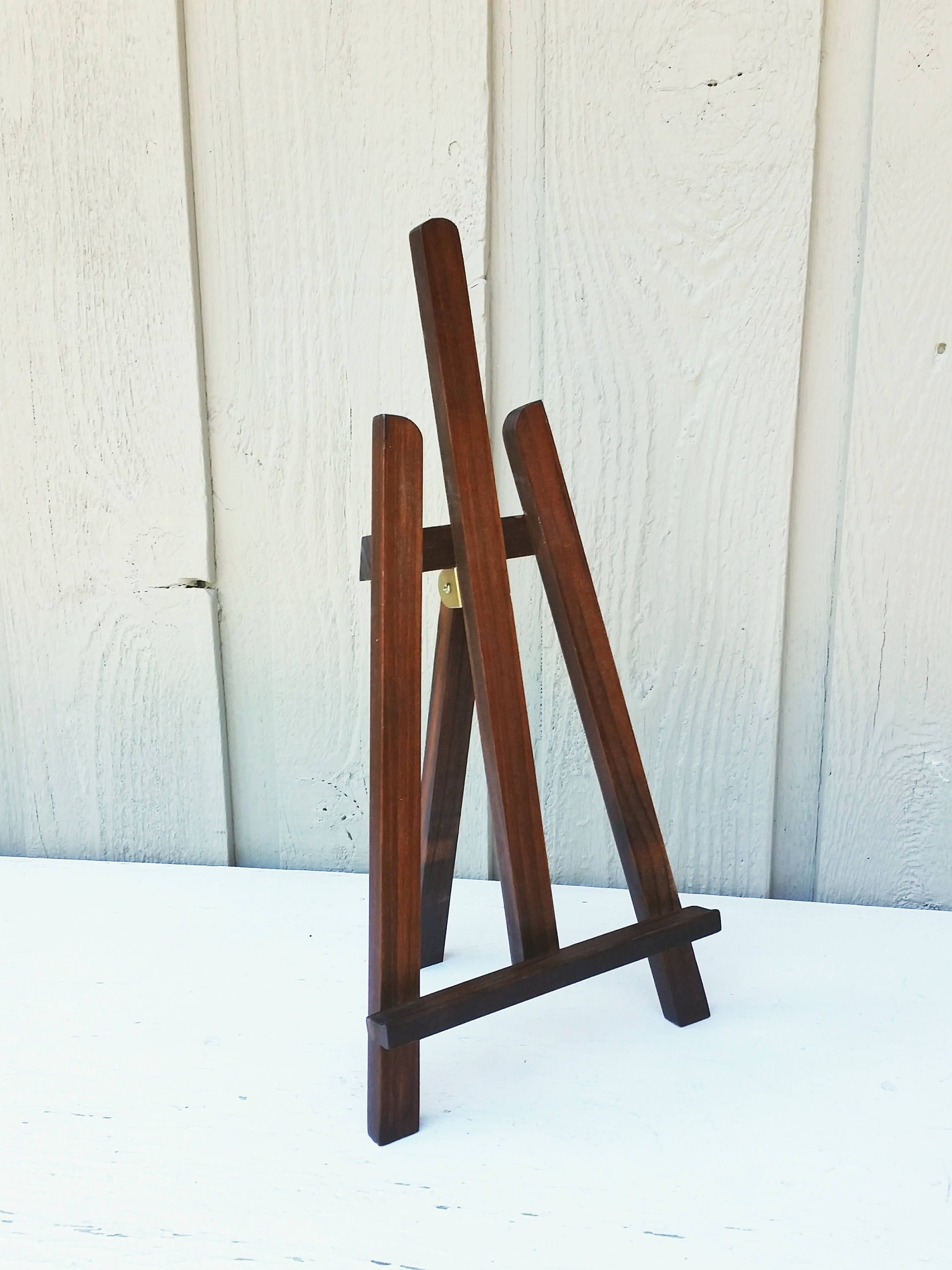 Large Brown Tabletop Easel 15 5 Inch Painted Wood Easel Holds Up To 16 X 20 Artwork And Display Signs By Naturesw Tabletop Easel Wood Easel Vintage Home Decor