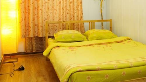 Clever Hostels Chistye Prudy Moscow This hostel is located in a quiet yard in the centre of Moscow, 200 metres from Chistye Prudy Metro Station. Free Wi-Fi and a 24-hour front desk are featured at Olymp Hostel.  The bright rooms offer simple decor and light-coloured interiors.
